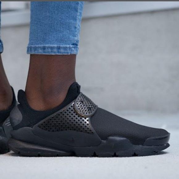 the latest 3ab55 d8a3e ✔️ New✔️ NIKE triple black Sock Dart ~ 10